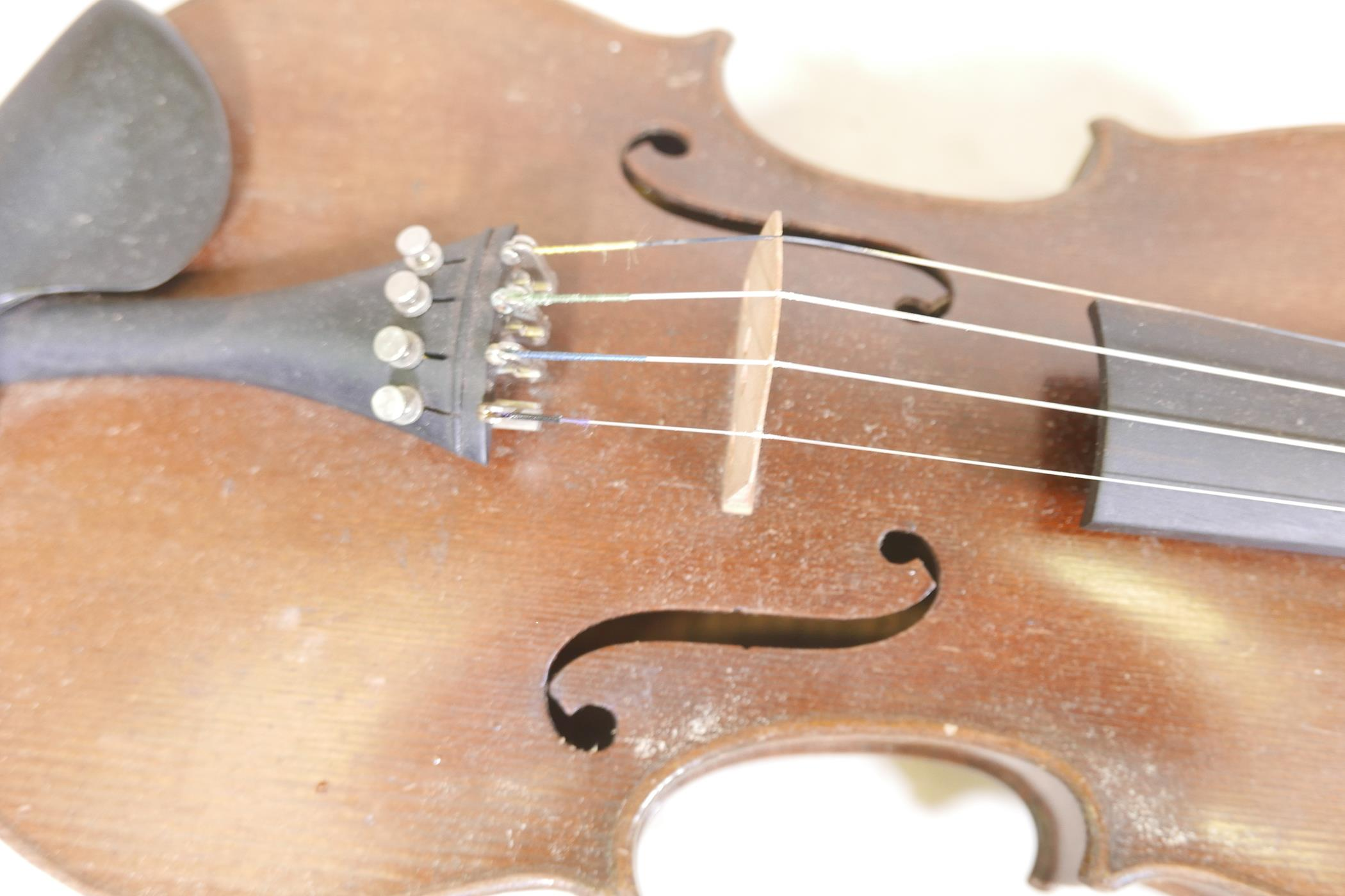 """A vintage violin and bow in case, 14½"""" back including button, 23½"""" long - Image 9 of 15"""