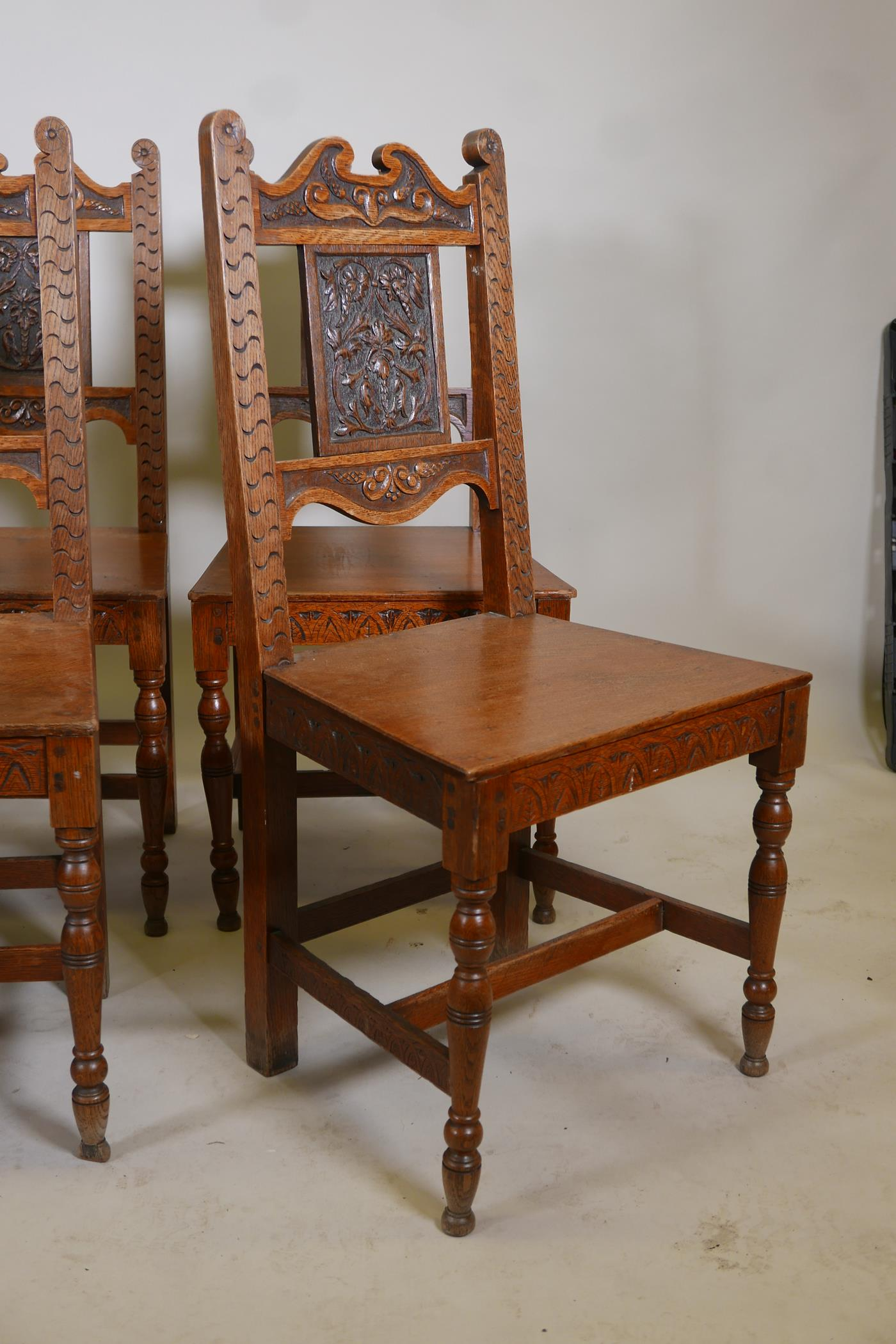 A set of six oak dining chairs with carved backs - Image 3 of 4