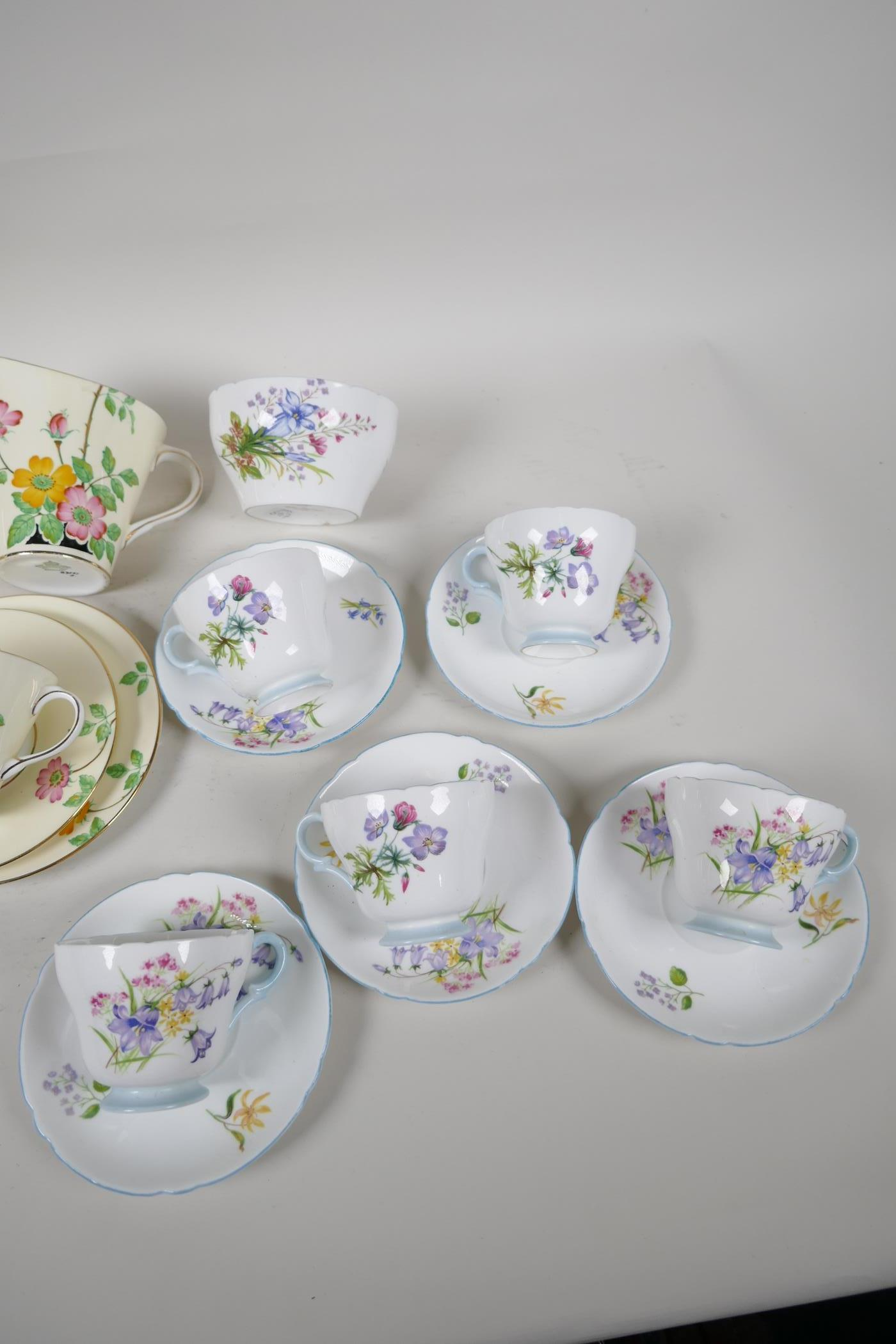 A five place setting Aynsley china tea set with milk jug, together with a five place setting Shelley - Image 4 of 5