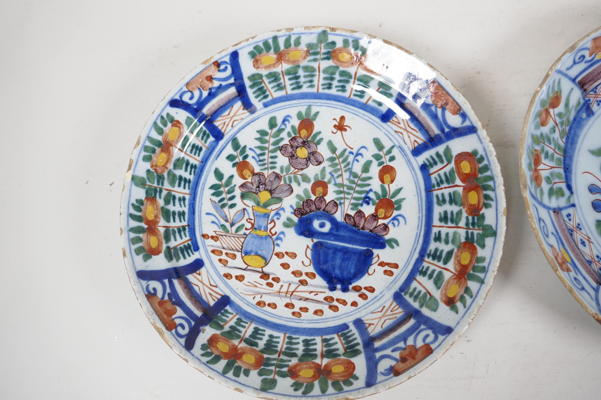 """Two C18th Delft dished plates painted in bright enamels, 9"""" diameter - Image 3 of 4"""
