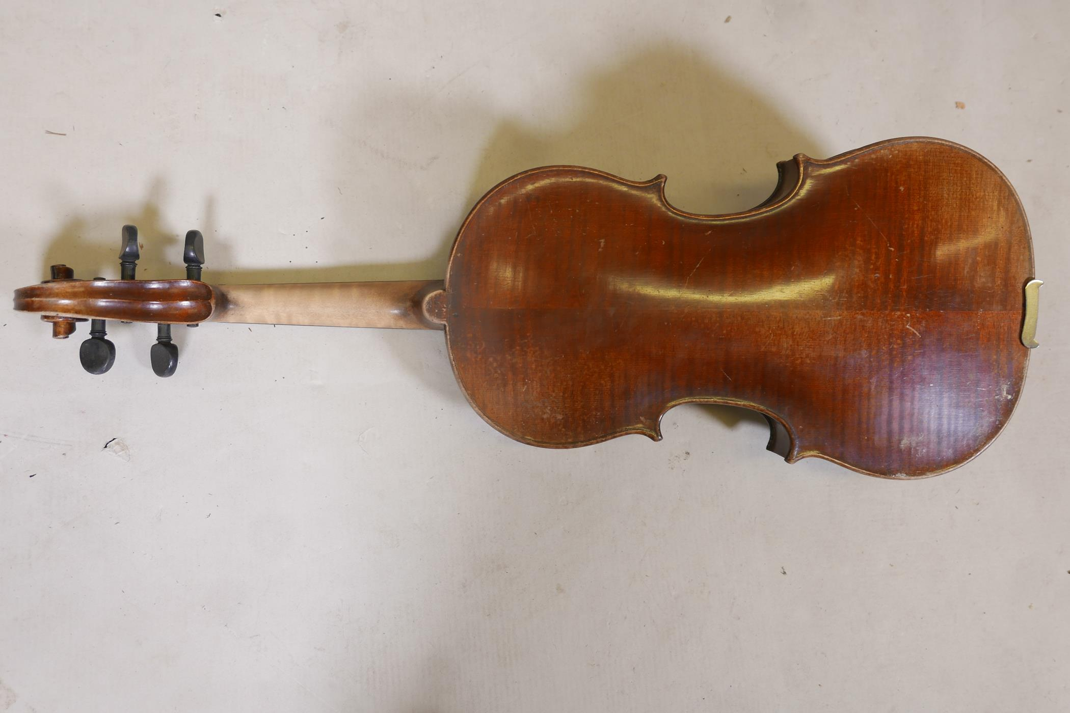 """A vintage violin and bow in case, 14½"""" back including button, 23½"""" long - Image 4 of 15"""