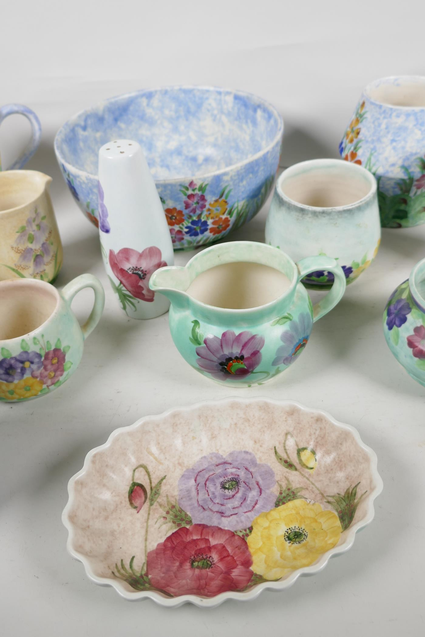 A quantity of vintage studio pottery, mainly Radford - Image 3 of 4