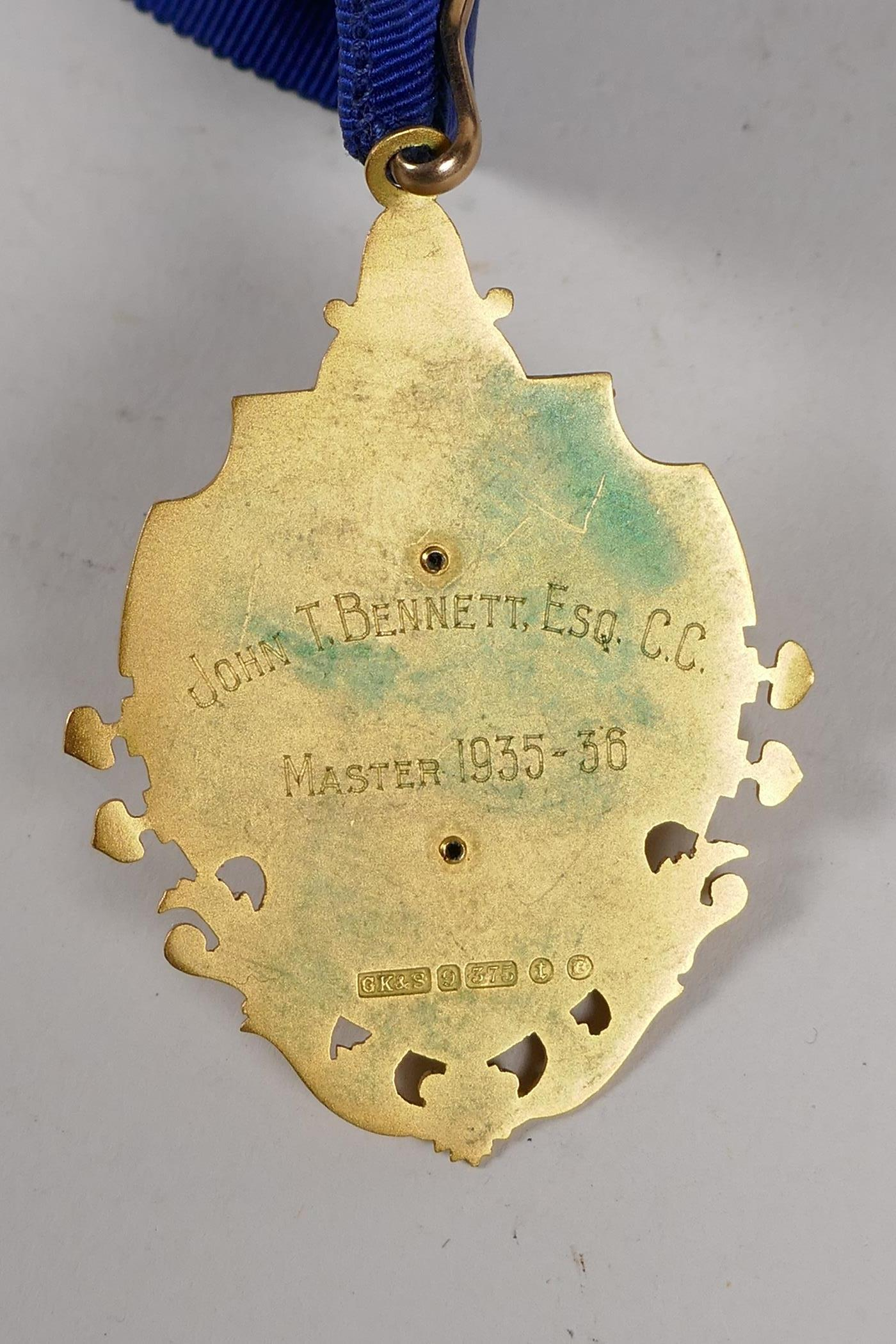 A 9ct gold and enamel medal for the position of Post Master of the Billingsgate Word Club, with - Image 3 of 4