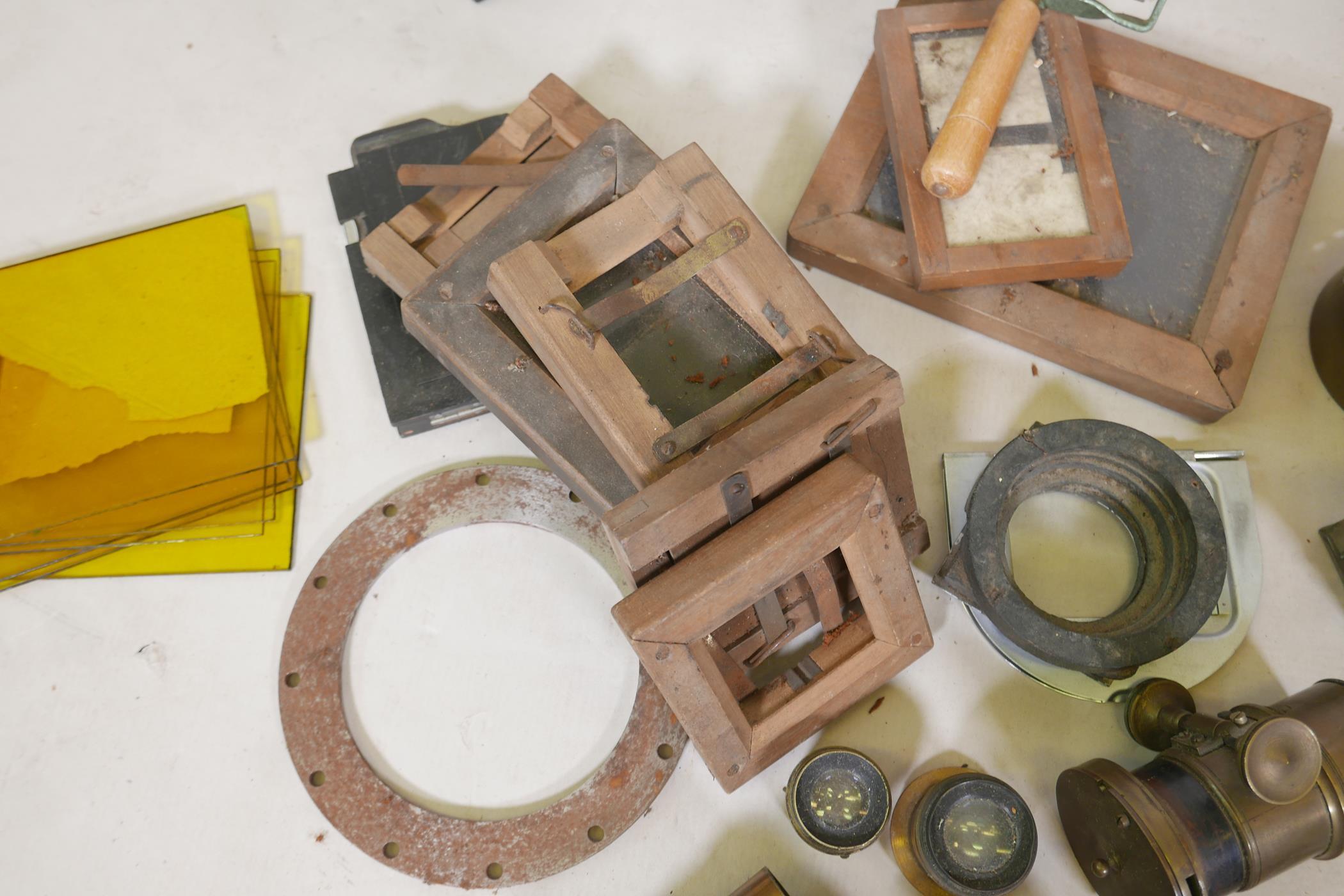 A quantity of antique photography equipment, Engsign Klito, Kodak Duaflex, No2 Hawkeye Model B, - Image 3 of 12