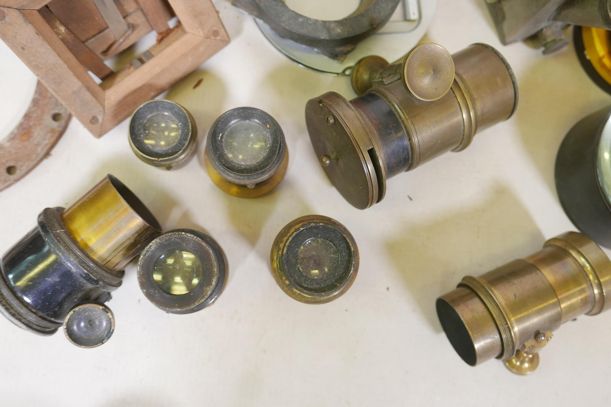 A quantity of antique photography equipment, Engsign Klito, Kodak Duaflex, No2 Hawkeye Model B, - Image 4 of 12