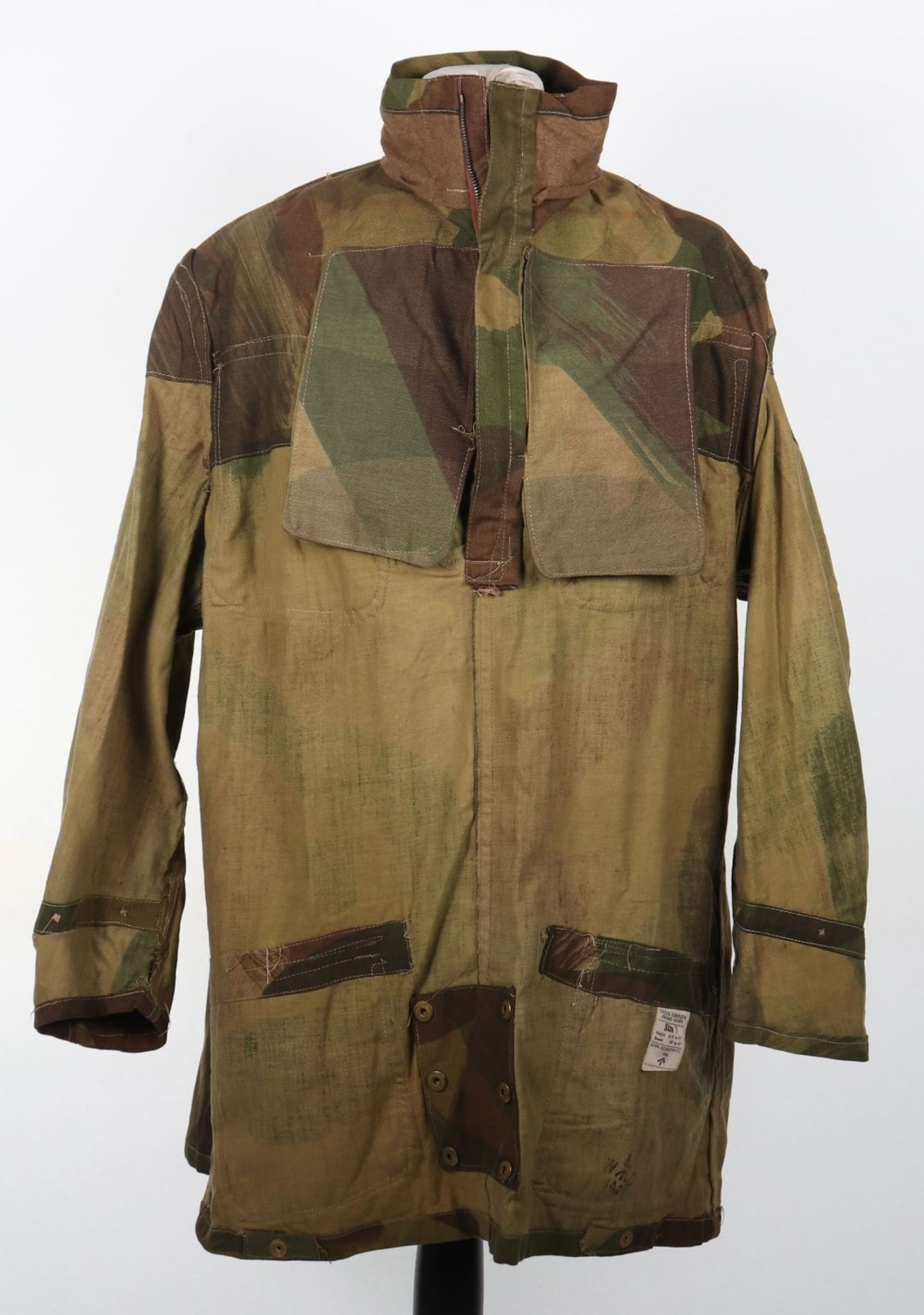 Mint Condition Large Size Airborne Forces Denison Smock - Image 10 of 17