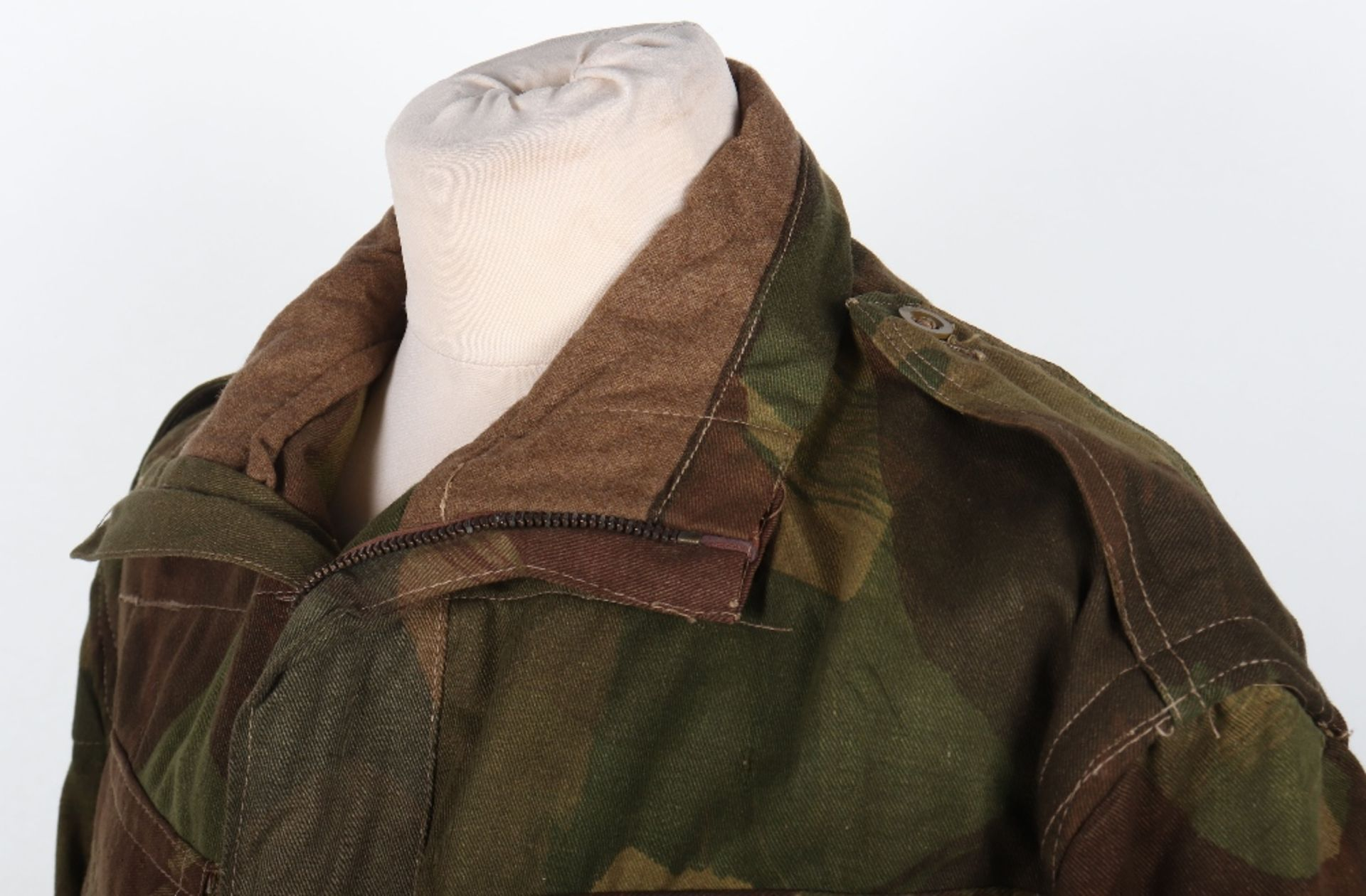 Mint Condition Large Size Airborne Forces Denison Smock - Image 5 of 17