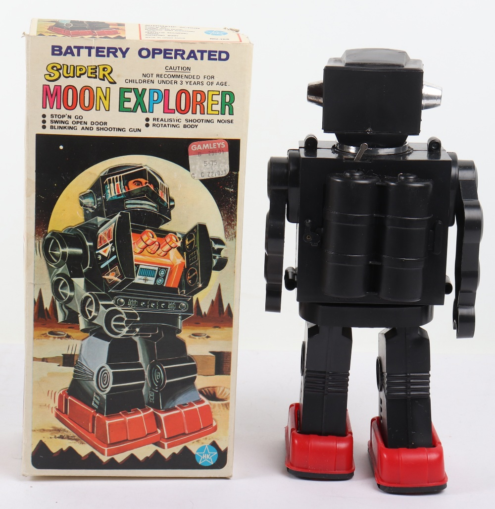 Vintage 1970s HK toys Battery operated super moon explorer Plastic robot - Image 2 of 3