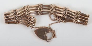 A 9ct gold bracelet, 20.3g