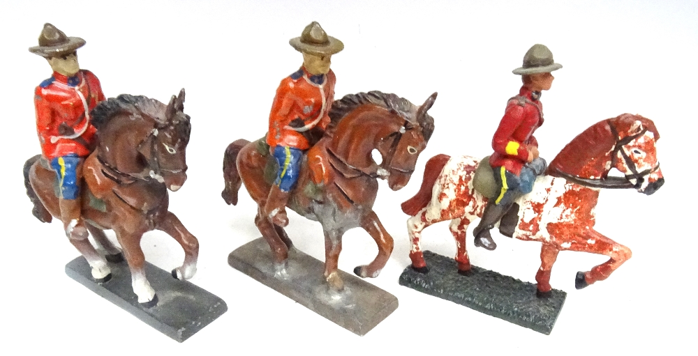 RCMP figures in solid metal, 65 to 75mm scale - Image 4 of 6
