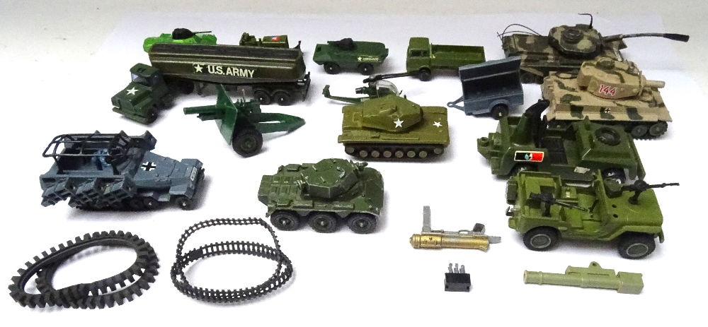 Airfix 1/32 unpainted plastic toy soldiers - Image 6 of 6