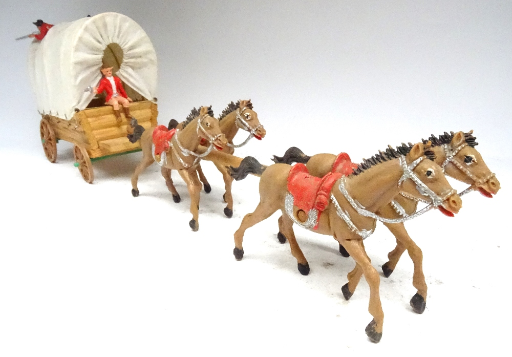 Various Royal Canadian Mounted Police in plastic - Image 11 of 13