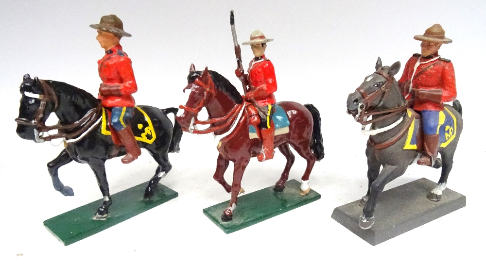 RCMP figures in solid metal, 65 to 75mm scale - Image 3 of 6