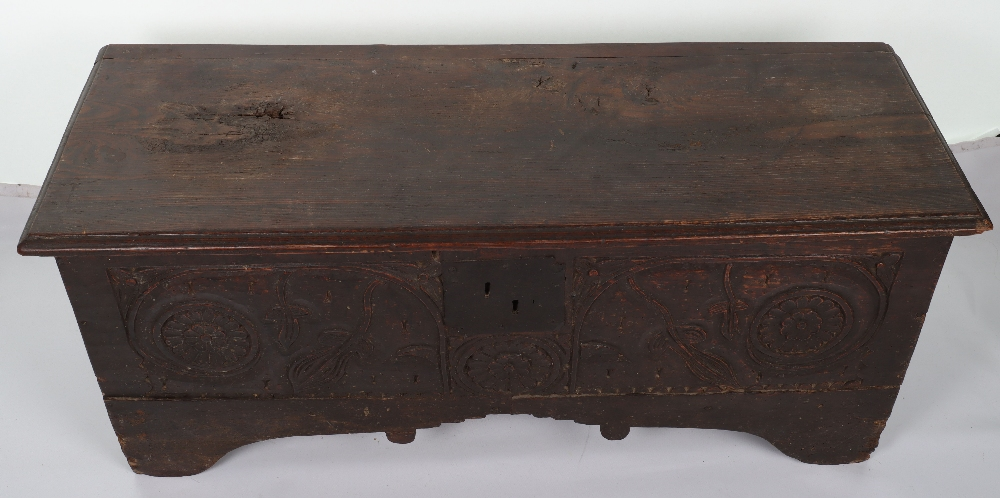 17th Century and later coffer - Image 4 of 6