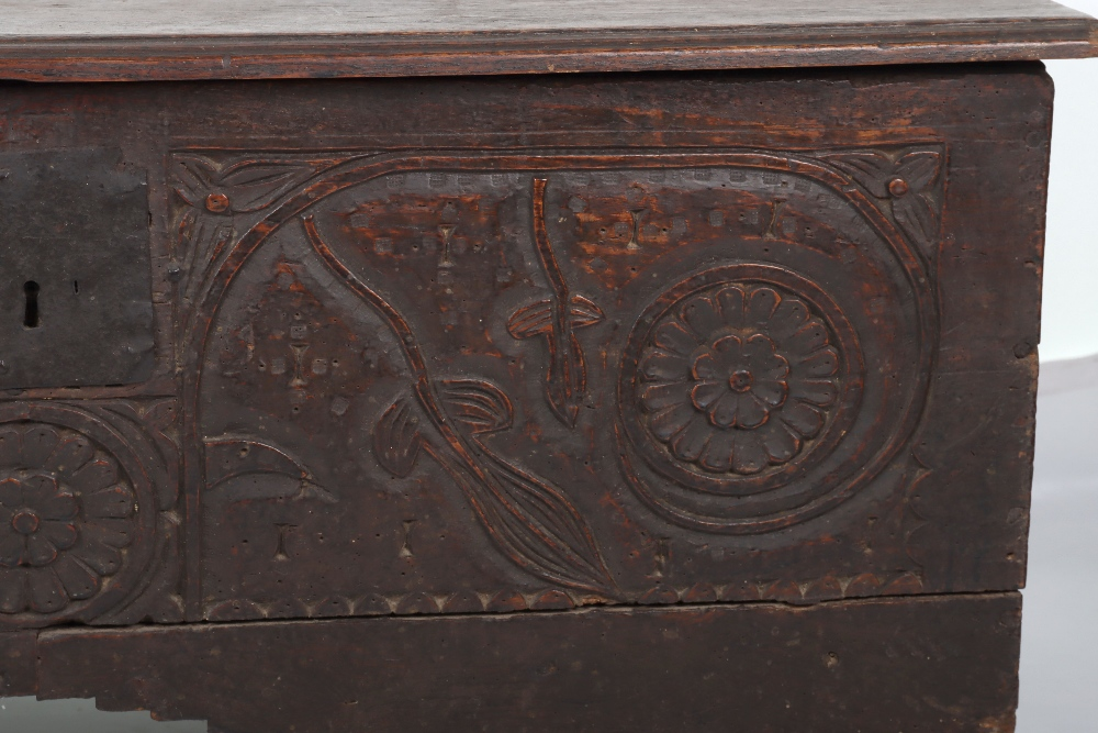 17th Century and later coffer - Image 3 of 6