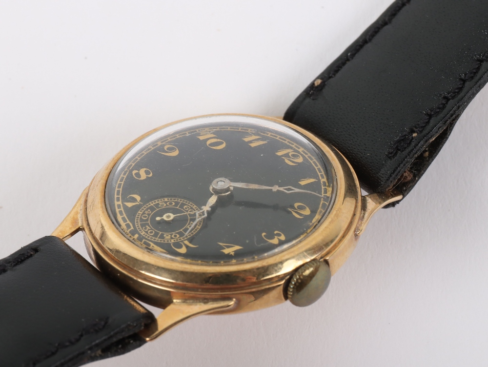A vintage 9ct gold Swiss made wristwatch, circa 1940 - Image 3 of 7