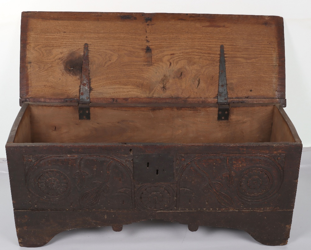 17th Century and later coffer - Image 5 of 6