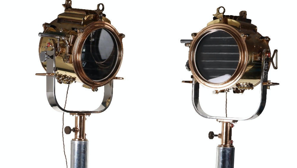 A superb and large pair of mid 20th century brass and metal naval signalling lamps on stands - Image 2 of 26