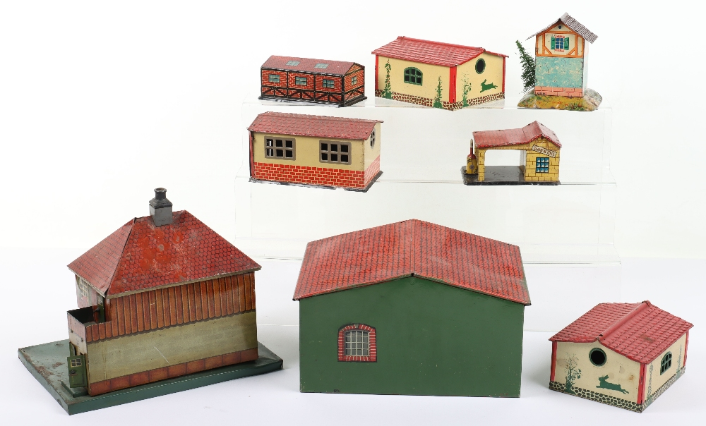 Quantity of German Tinplate Buildings, 00 gauge and larger - Image 2 of 2