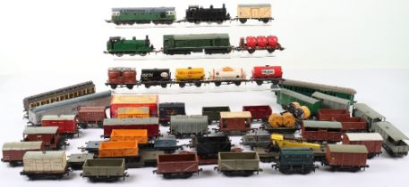 Quantity of Unboxed Hornby Dublo 00 Gauge Goods Rolling Stock