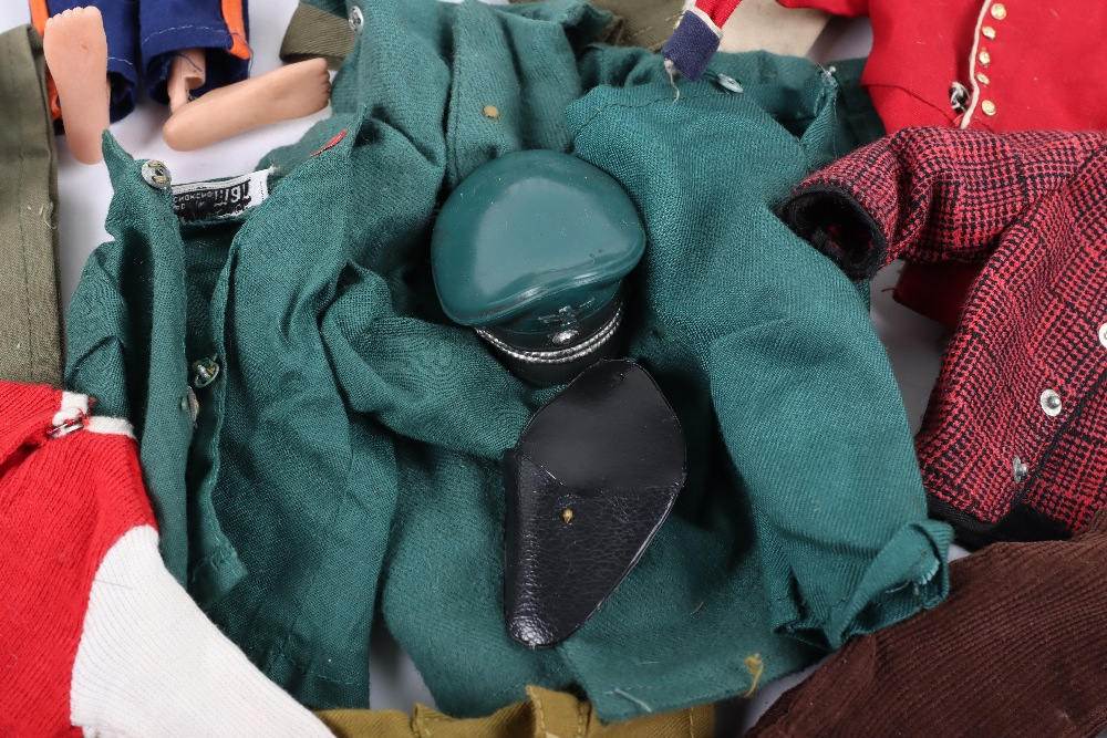 A Large Quantity of Vintage Action Man Dolls, Clothes and equipment - Image 7 of 10