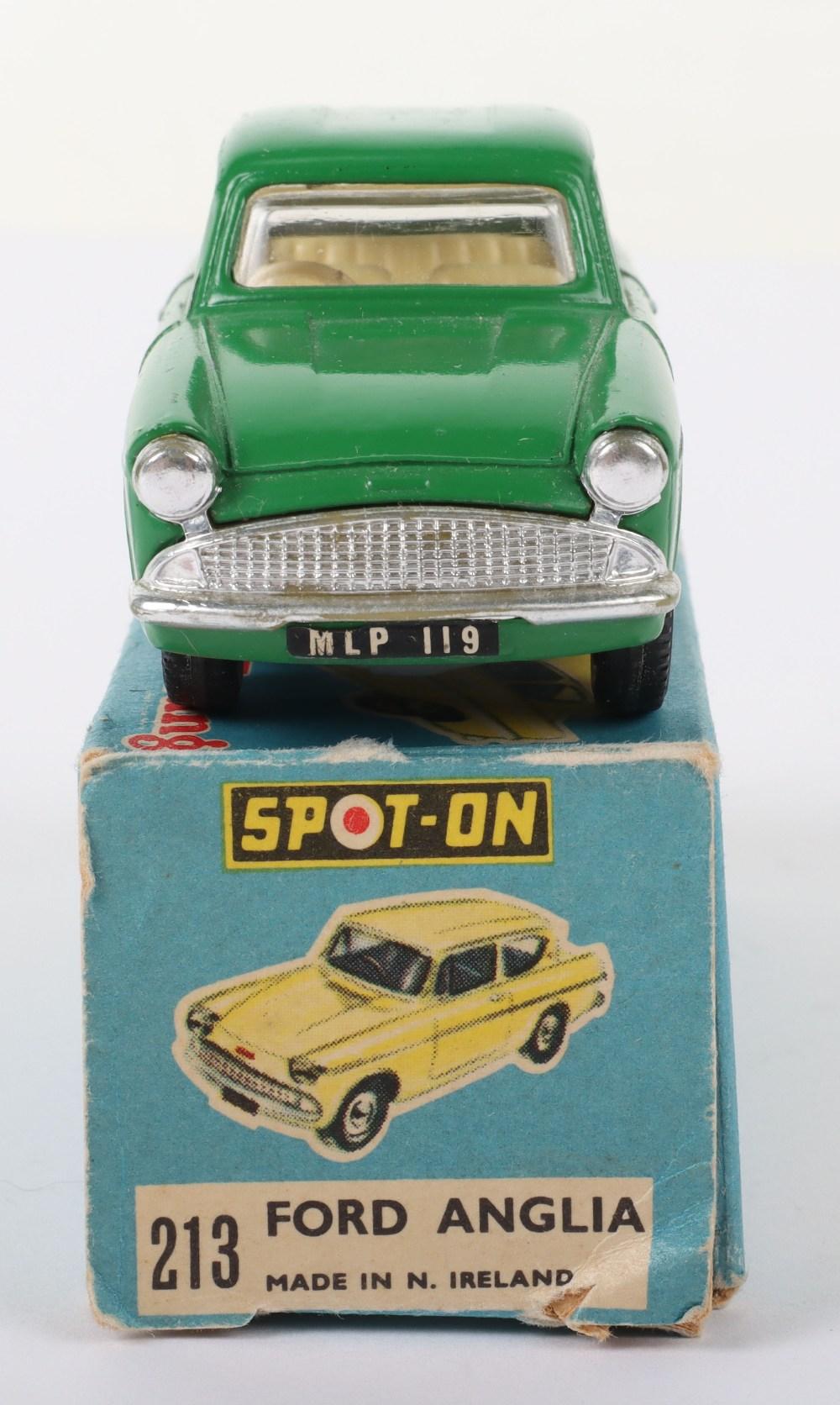 Tri-ang Spot On Model 213 Ford Anglia Saloon - Image 4 of 5