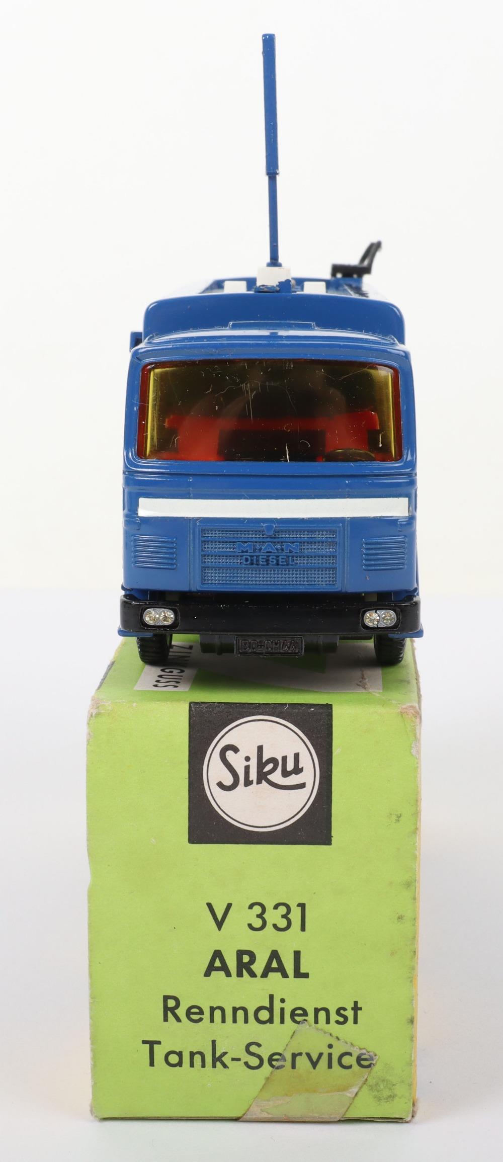 Siku (Germany) V 331 Man Petrol Motorsport Tanker Aral - Image 3 of 5