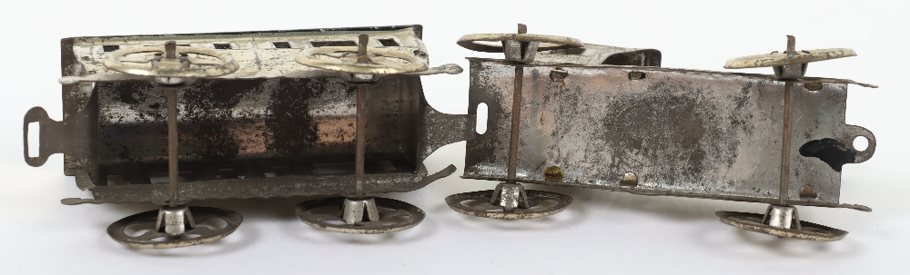 Early Meier pressed tinplate locomotive and carriage penny toy, German circa 1900 - Image 5 of 6