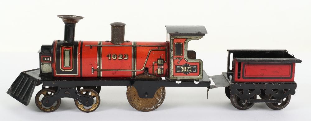Hess 1023 tinplate friction driven U.S style floor train, German circa 1905