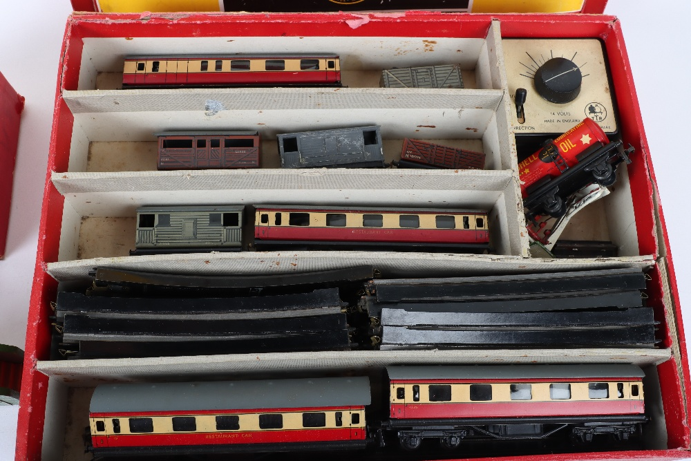 Boxed Trix 3-Rail Twin Railway Engine and Tender - Image 3 of 7