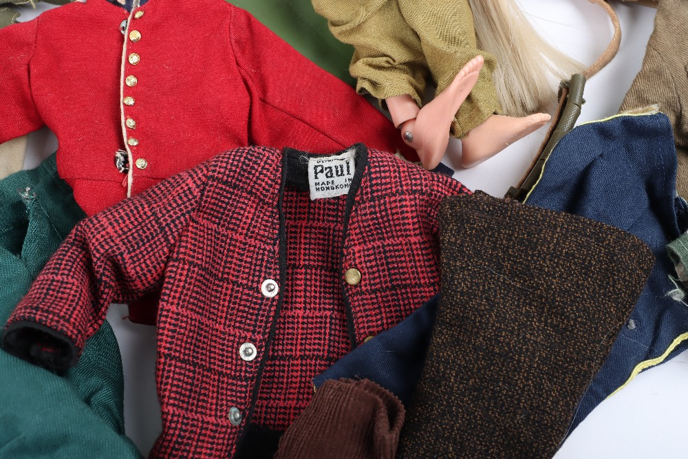A Large Quantity of Vintage Action Man Dolls, Clothes and equipment - Image 6 of 10