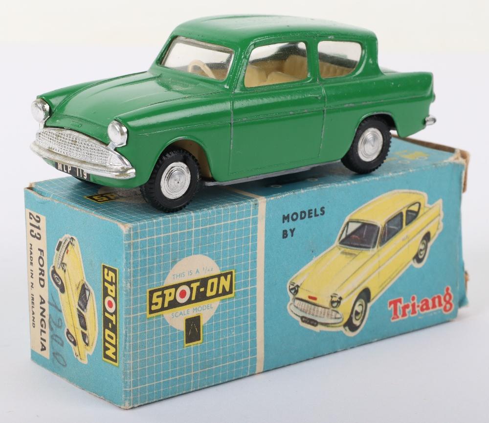 Tri-ang Spot On Model 213 Ford Anglia Saloon