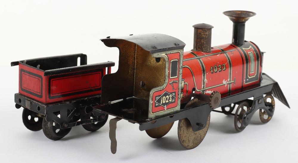 Hess 1023 tinplate friction driven U.S style floor train, German circa 1905 - Image 4 of 5