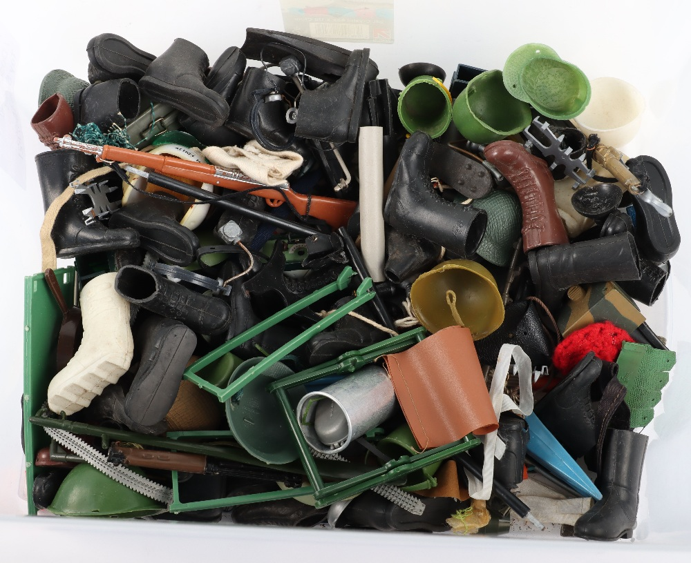 A Large Quantity of Vintage Action Man Dolls, Clothes and equipment - Image 9 of 10