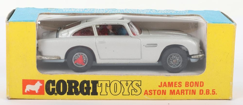 Corgi Toys 270 James Bond Aston Martin slim window box
