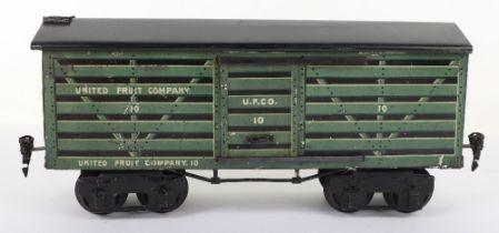 Marklin for the U.S market gauge I 'United Fruit Company' eight-wheel bogie Fruit van, German circa