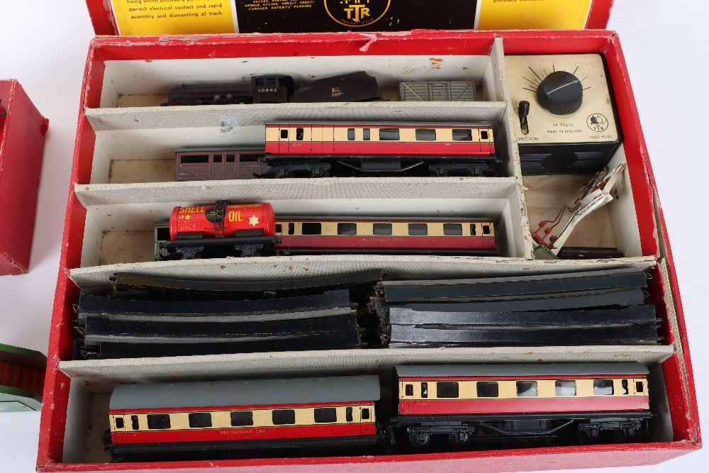 Boxed Trix 3-Rail Twin Railway Engine and Tender - Image 2 of 7