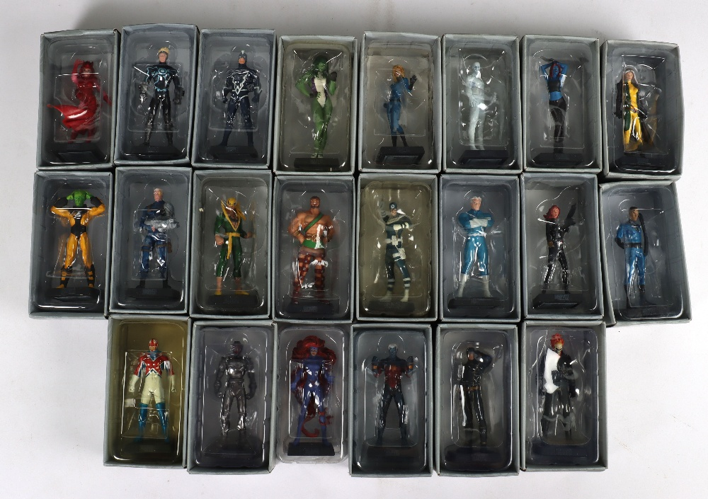 """Quantity of """"The Classic Marvel Figurine Collection"""" by Eaglemoss - Image 11 of 12"""