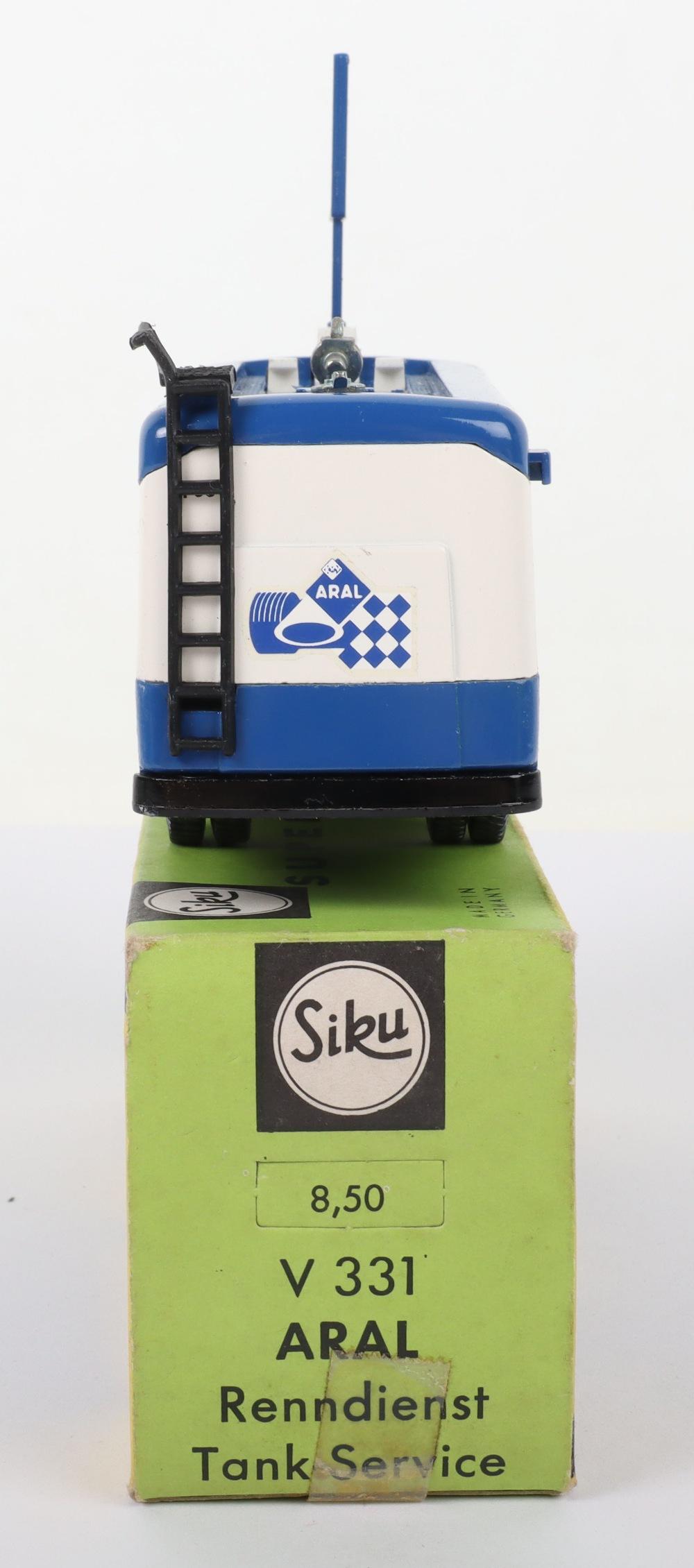 Siku (Germany) V 331 Man Petrol Motorsport Tanker Aral - Image 4 of 5