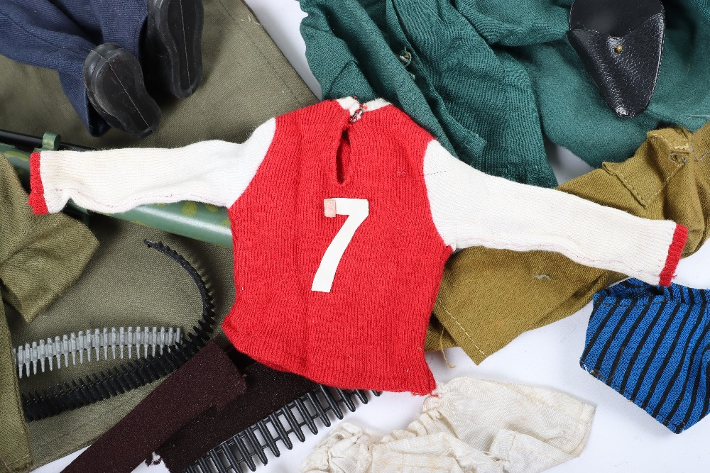 A Large Quantity of Vintage Action Man Dolls, Clothes and equipment - Image 5 of 10