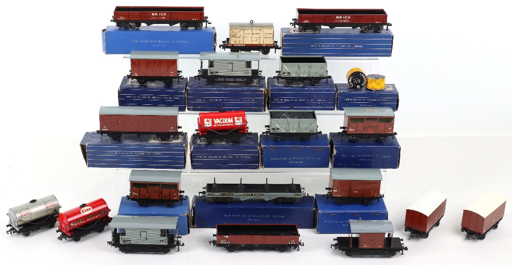 Hornby Dublo wagons - Image 2 of 2