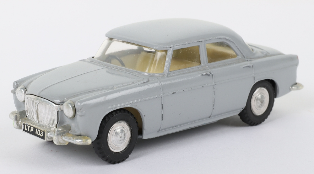 Tri-ang Spot On Model 157 Rover 3 Litre