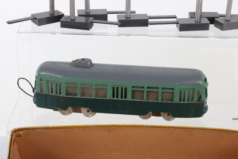 Rivarossi Tram with Overhead Line, HO Gauge - Image 2 of 4