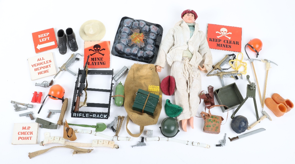 A Large Quantity of Vintage Action Man Dolls, Clothes and equipment - Image 8 of 10