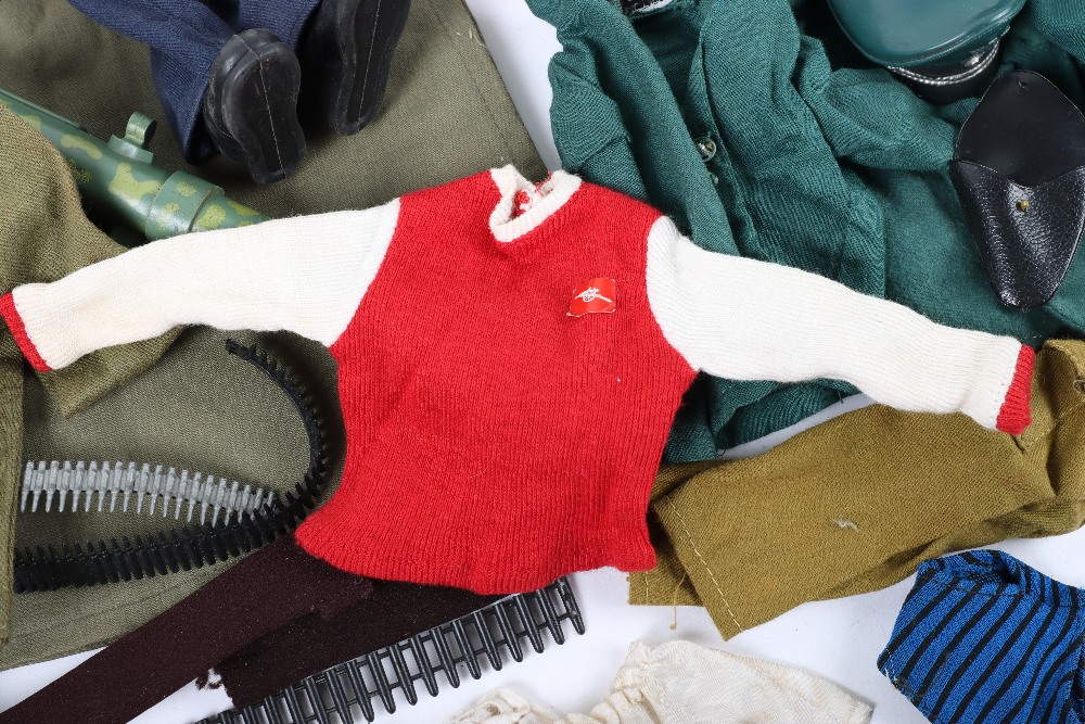 A Large Quantity of Vintage Action Man Dolls, Clothes and equipment - Image 4 of 10