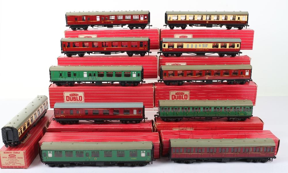 Eleven Hornby Dublo 00 Gauge 2-Rail Boxed Coaches