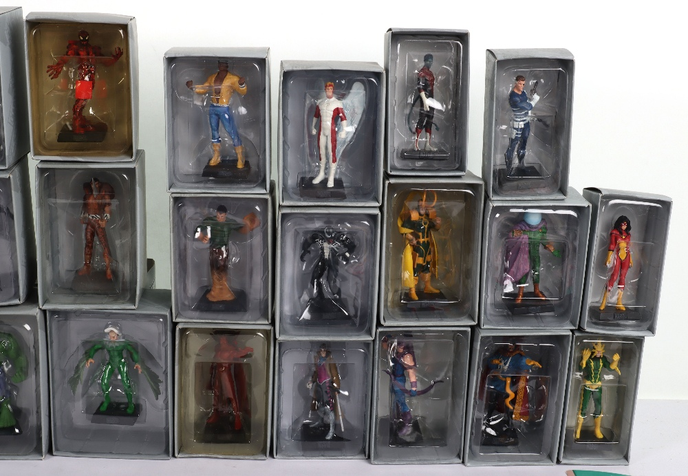 """Quantity of """"The Classic Marvel Figurine Collection"""" by Eaglemoss - Image 10 of 12"""