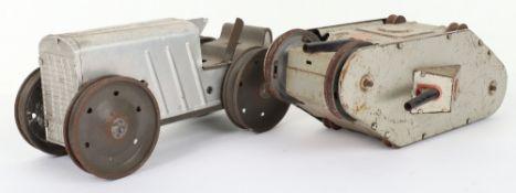 Marx (New York) tinplate clockwork Tractor and W.W.I Tank