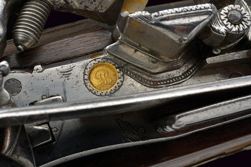 A beautiful miquelet flintlock gun - Image 10 of 10