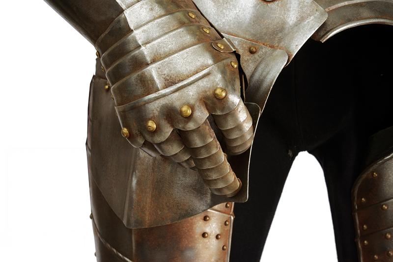 A tournament suite of full armour - Image 4 of 6